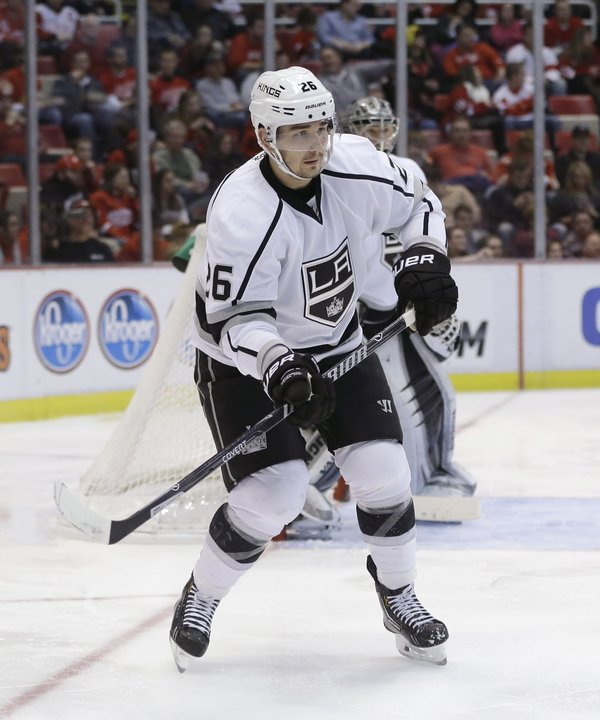 kings_voynov_suspended_hockey37005319310_r5011_res.jpg