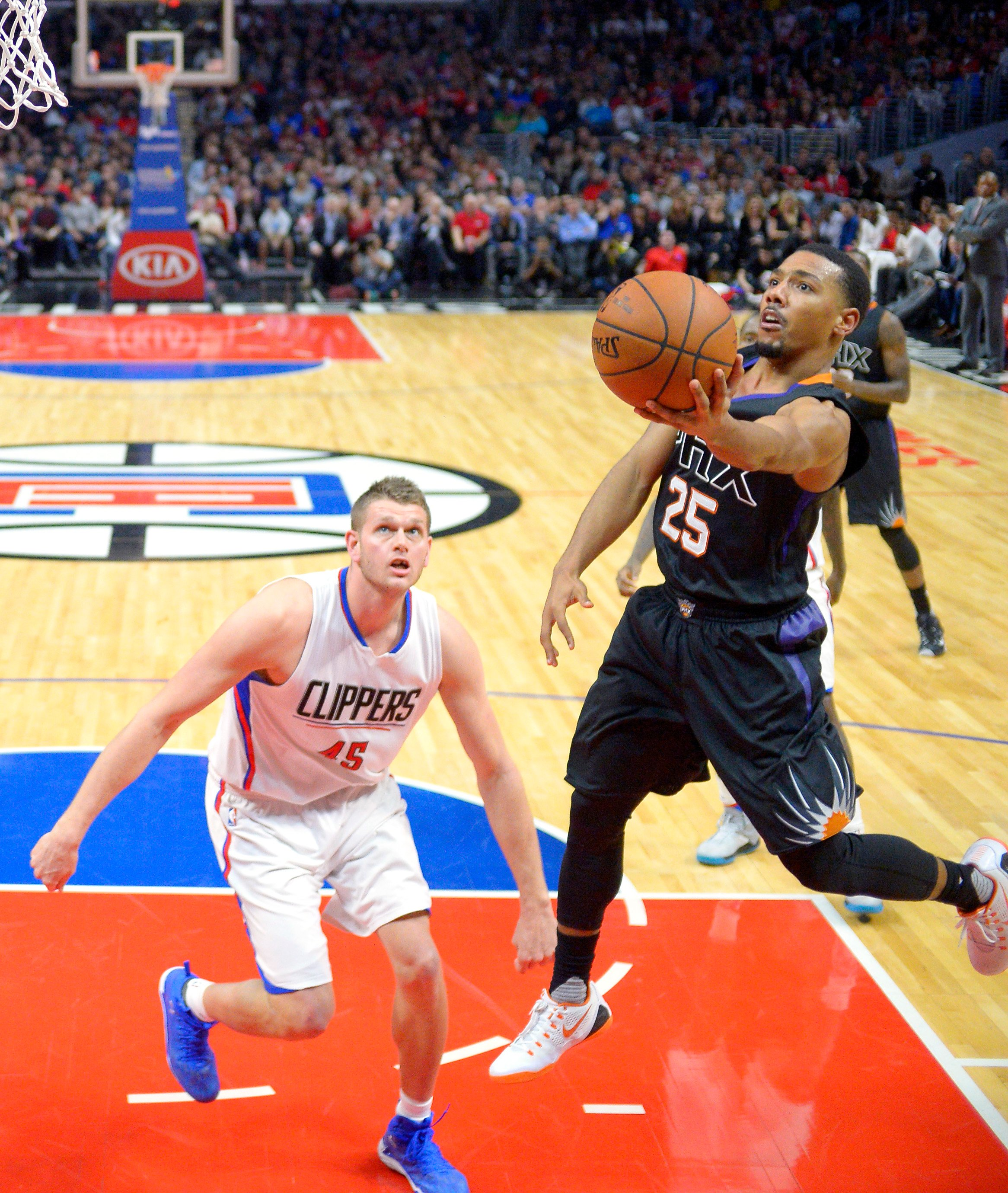 suns_clippers_basketball-b1bc61ee75d6427_r3850.jpeg