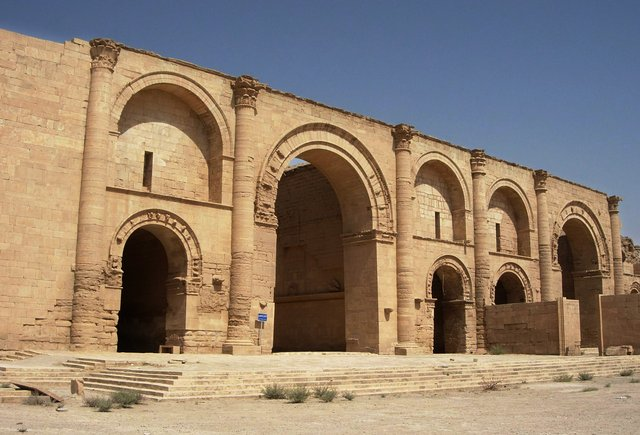 islamic-state-destroying-heritage901338-_r4553_res.jpg