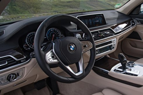 bmw-740le-xdrive-iperformance.kokpit_r3479_res.jpg
