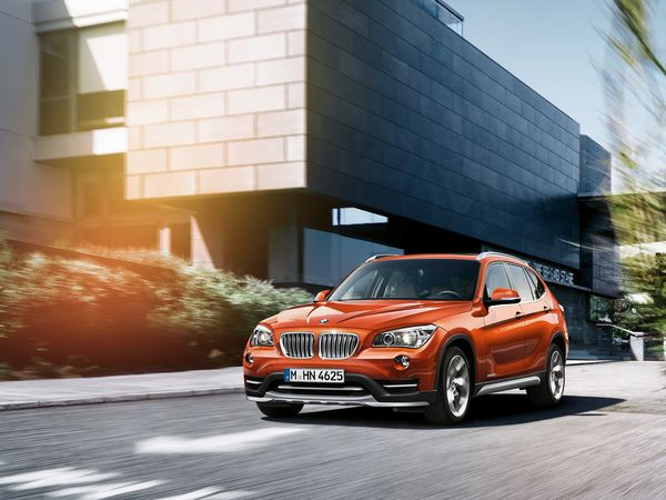 bmw_x1_wallpaper_1600x1200_06_res_r2095.jpg