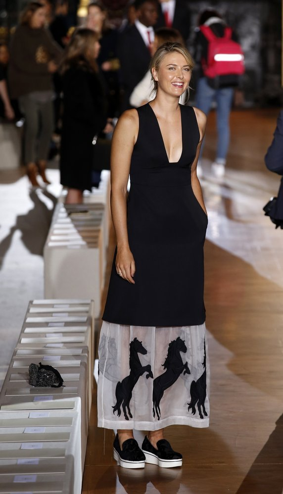 paris_fashion_stella_mccartney9877932903_r7454_res.jpg