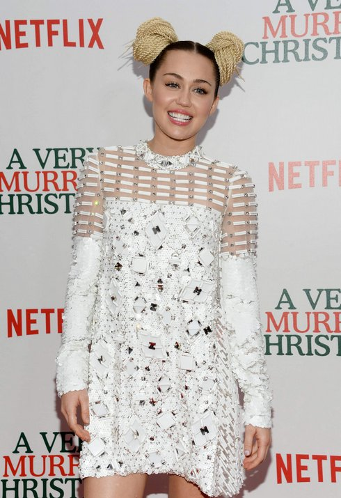 miley-cyrus_ap_r4340_res.jpg