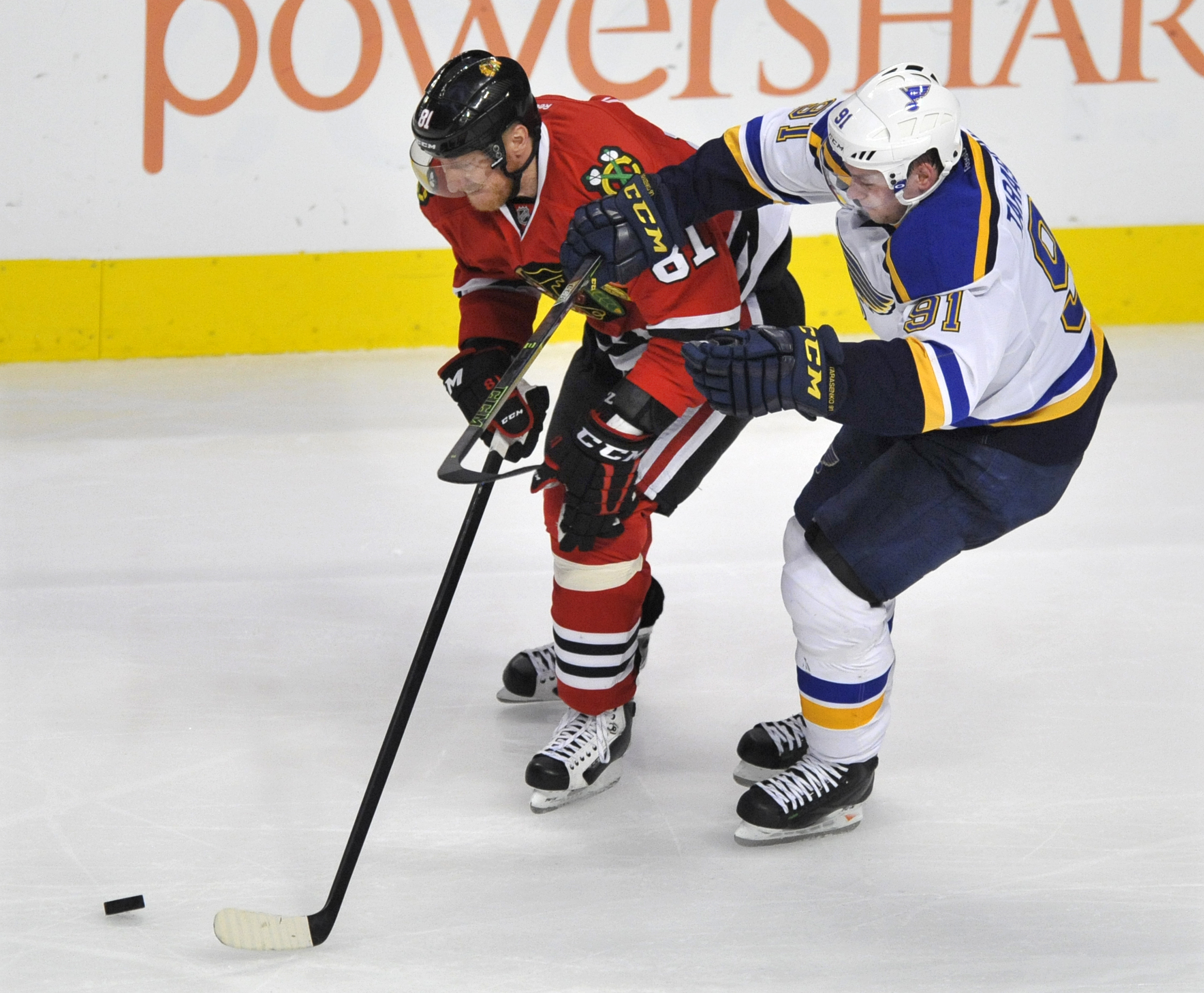 blues_blackhawks_hockey-43ac78a38cb04f99_r4163.jpeg