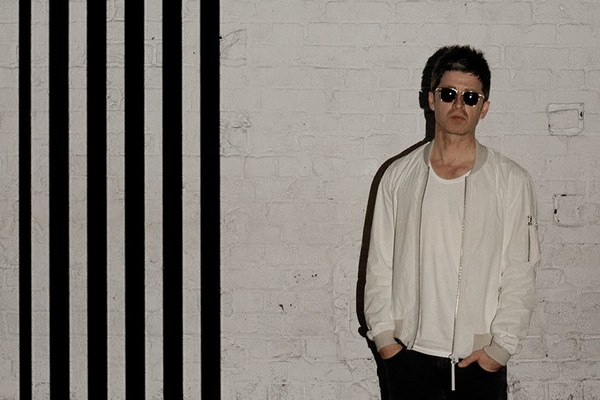 noel_gallagher_high_flying_birds_-_chasi_r2310-r693-st.ir3-_t600.jpg