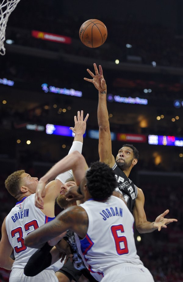 spurs_clippers_basketball-7b0c21c2ebbb4c_r5345_res.jpeg