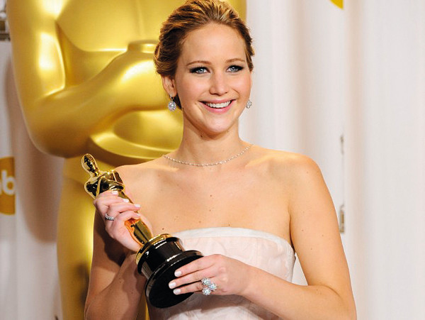 jennifer-lawrence-oscar-win.jpg