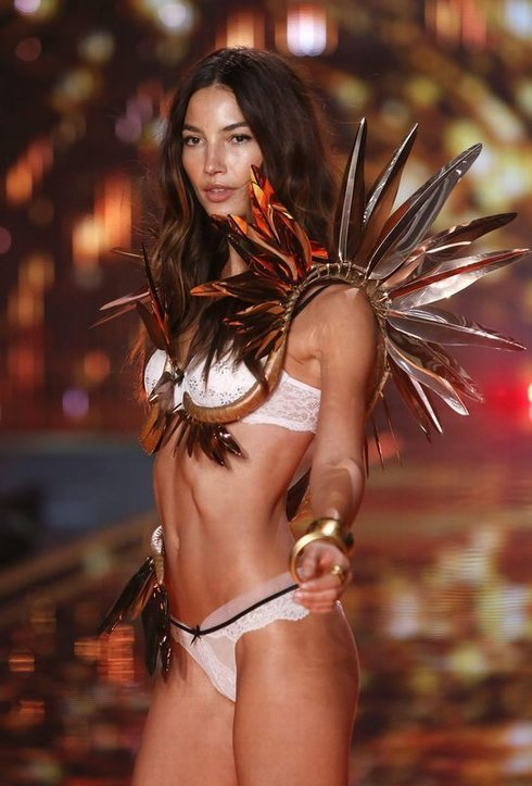 victorias-secret-fasion-show-2014-london_r2059_res.jpg